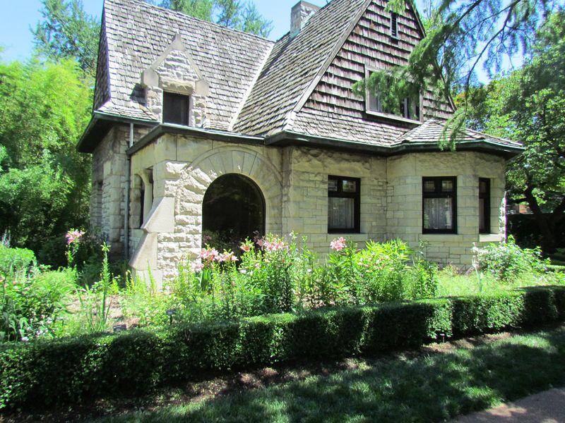 Cleveland Ave Gatehouse 2